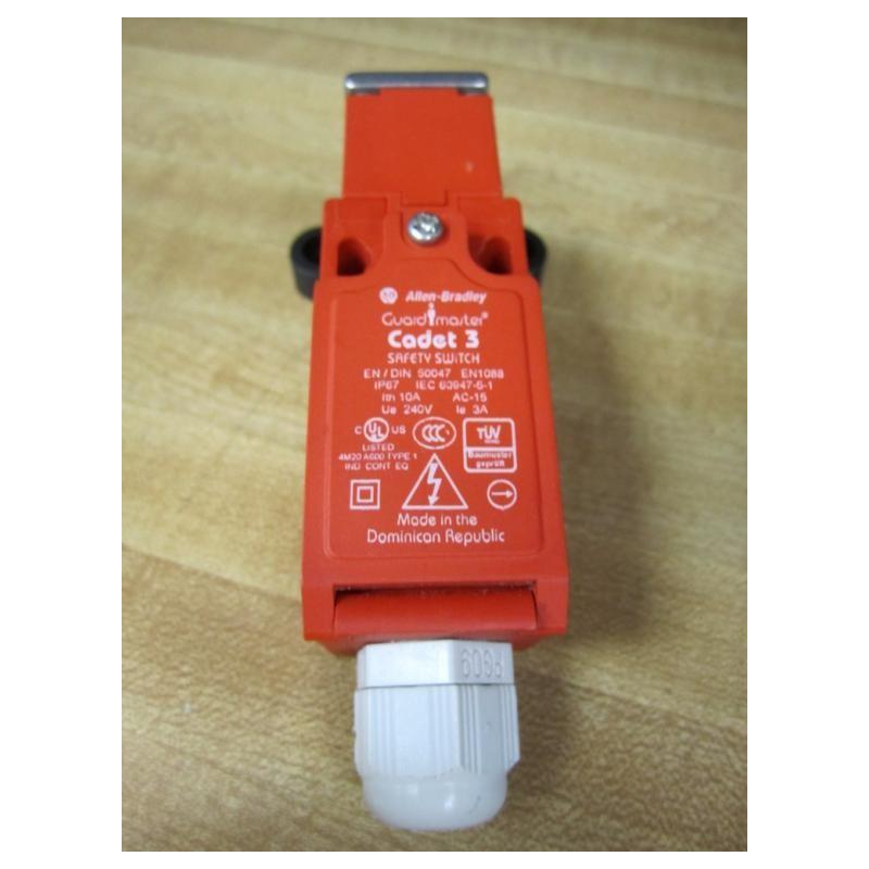 Allen Bradley 440k C21074 Cadet 3 Safety Switch 440kc21074